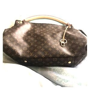 Louis Vuitton Artsy Monogram Canvas Tote